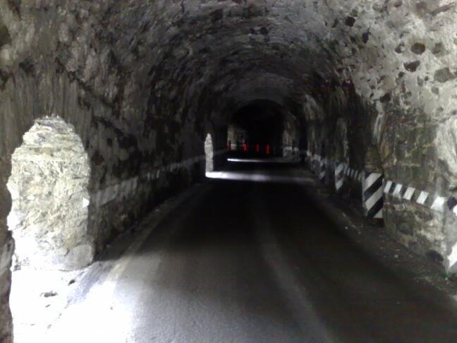 photo stelvio-in-tunnel-zuidkant-2160_zpse6648e67.jpg